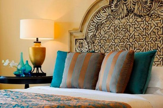 One&Only Royal Mirage Dubai: Arabian Court Deluxe Room Details