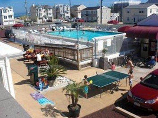 Sea Spray Motel : Pool