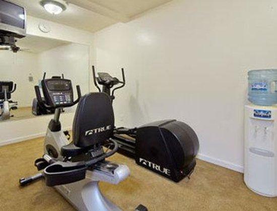 Days Inn St Peters/St Charles: Fitness Center