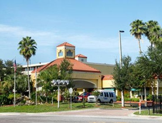 Altamonte Hotel and Suites: Welcome to the Howard Johnson Altamonte Springs