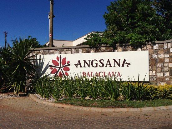 Angsana Balaclava Mauritius: Entrance of the resort