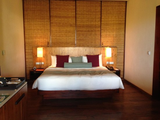 Angsana Balaclava Mauritius: Beautiful king size bed