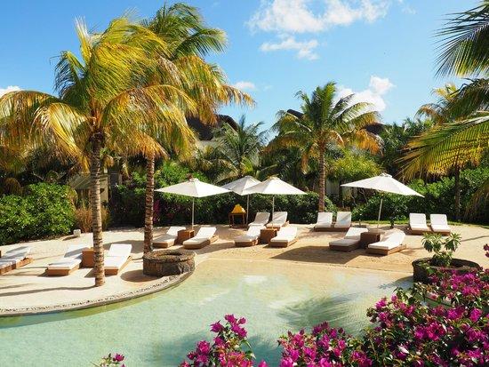 Angsana Balaclava Mauritius: Beach area