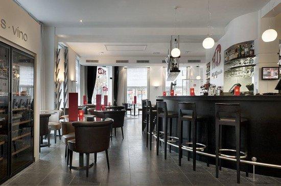 Hampshire Designhotel - Maastricht: Brasserie FLOBar