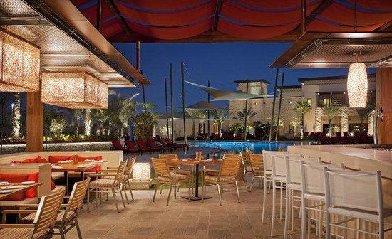 The Westin Abu Dhabi Golf Resort & Spa: Shades Pool Bar