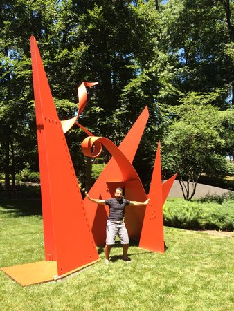 Baltimore Museum of Art: Posing with the outdoor art