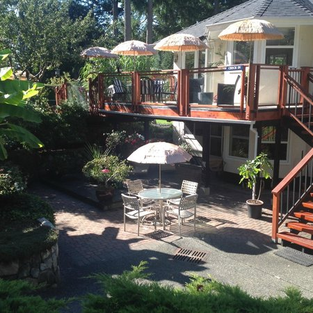 Blueberry Patch Bed and Breakfast: King Suite Enterance