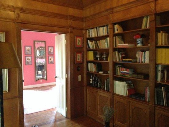 São Miguel Guest House : Biblioteca (com bar)