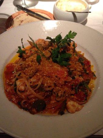 Pazzo! Italian Cafe : Linguini e crabe