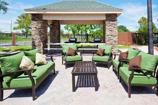 Staybridge Suites Orlando Airport South: Guest Patio