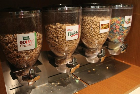 SpringHill Suites by Marriott/ Sarasota Bradenton: cereal options