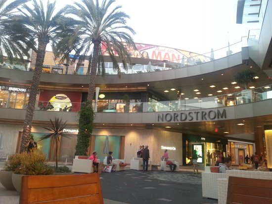 Loews Santa Monica Beach Hotel: Santa Monica Mall