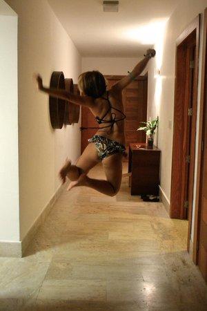 Sublime Samana : Happy