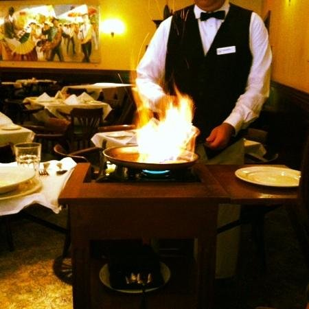 Palace Cafe: preparing bananas foster tableside