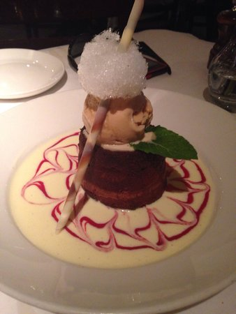Pazzo! Italian Cafe : Chocolate cake beyond belief