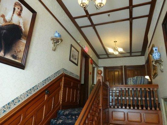 Victoria's Historic Inn: VI02