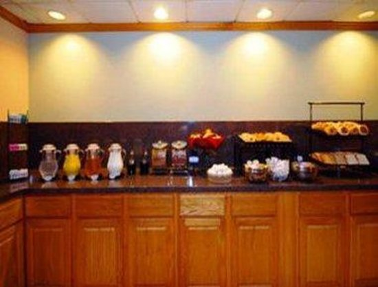 Ramada Austinburg/Ashtabula : Breakfast Area