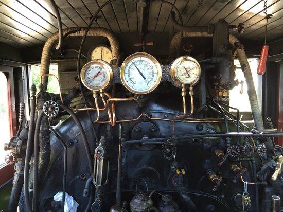 South Simcoe Railway: Steam control dials