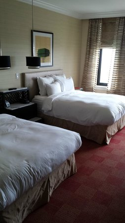 Renaissance Blackstone Chicago Hotel: Picture of Double Queen Room