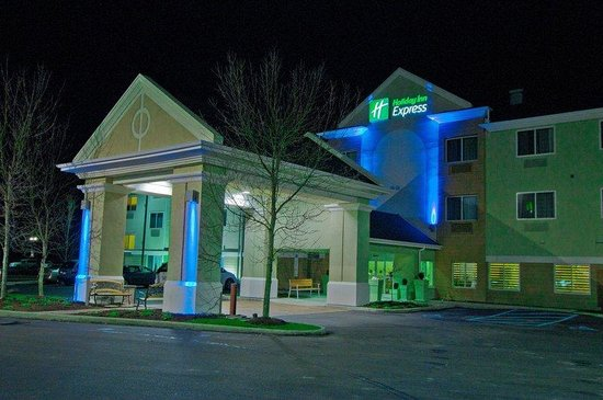 Holiday Inn Express Charleston/Kanawha City : Hotel Exterior
