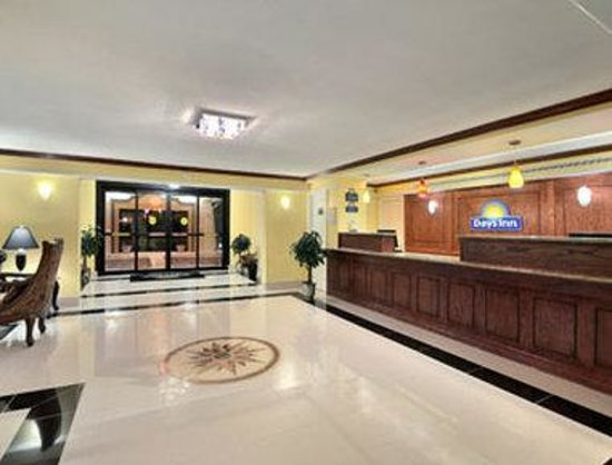 Days Inn Houston: Lobby