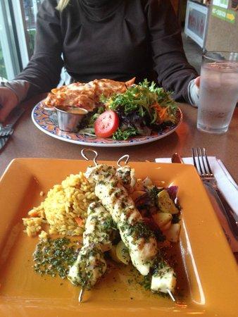 Fat Olives Restaurant: Penne pasta and halibut skewers