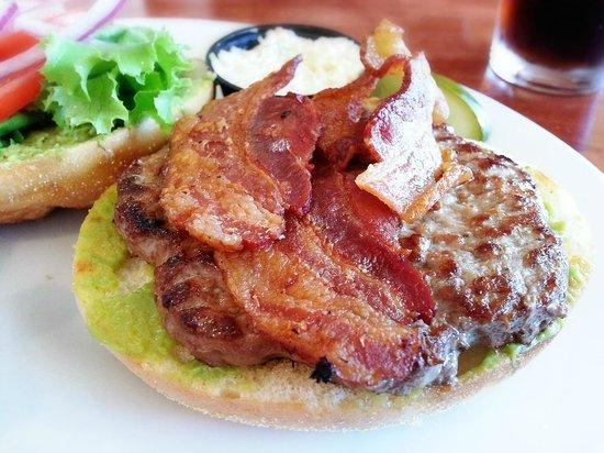 River Blue Cafe: Guacamole Burger