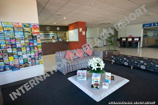 International Beach Resort: Foyer/Lobby