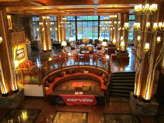 Stowe Mountain Lodge: Hotel lobby