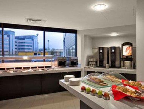 Ramada Encore Newcastle-Gateshead: Breakfast Setup