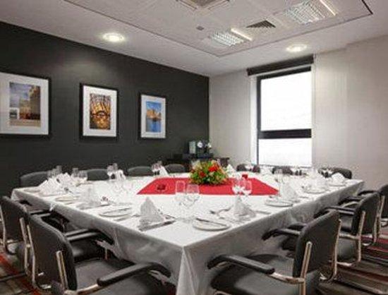Ramada Encore Newcastle-Gateshead: Private Dining