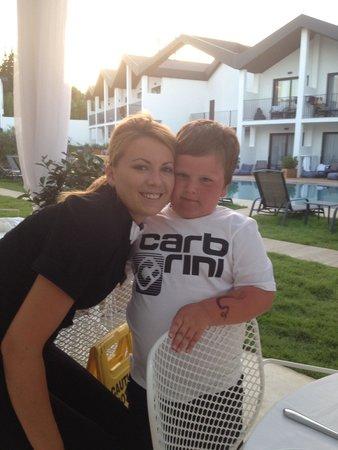 Aqua Bay Hotel: Mason & lovely Luiza