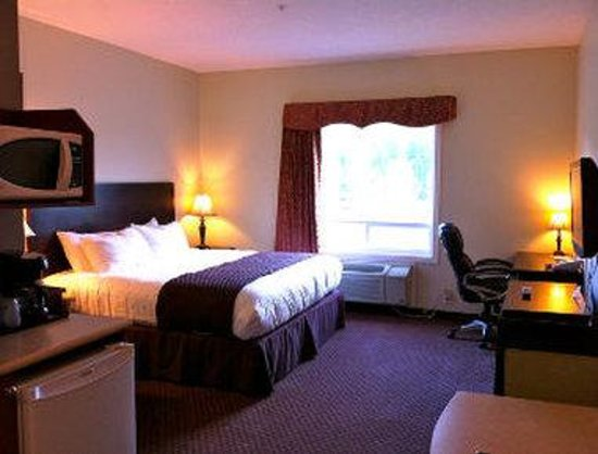 Days Inn Chetwynd: Efficiency 1 King Bed Room