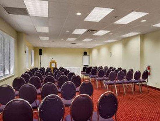 Travelodge Hotel Belleville : Meeting Room