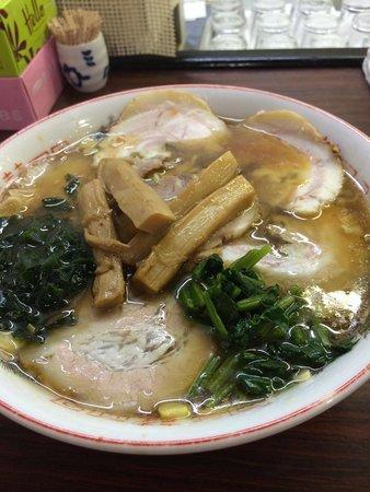 Fukuraku: チャーシュー麺