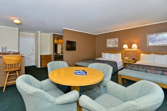 Americas Best Value Inn - Casino Center Lake Tahoe: Two Double Beds