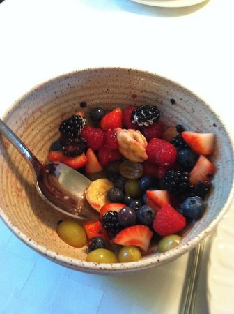 Among the Lakes Bed & Breakfast: They start the breakfast off right!  Fresh berries and other fruit.