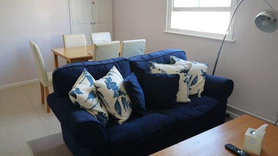Rewley House: Livingroom area