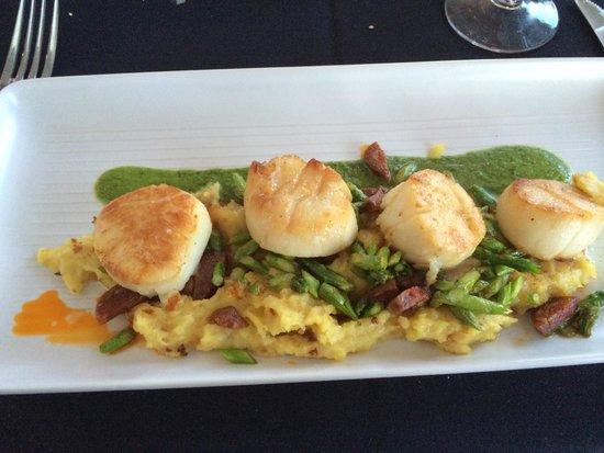 Ocean House Restaurant : Best scallops ever!