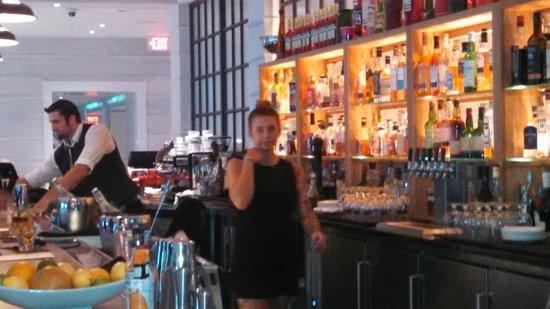 The Kimpton Brice Hotel: Bar