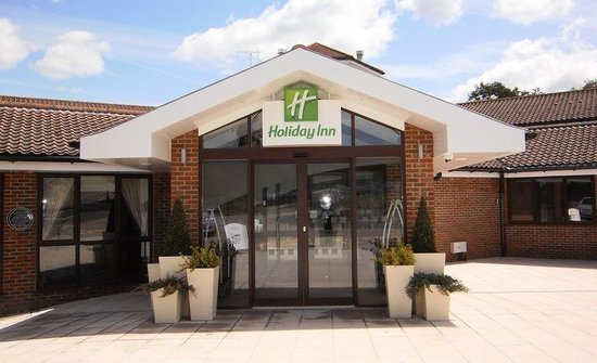 Holiday Inn London Gatwick Worth: Located just 10 minutes from London Gatwick Airport