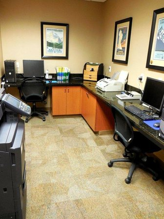 Holiday Inn Express Hotel & Suites Bozeman West: Business Center