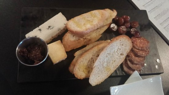 The White Oak Tavern: Cheese & Chacourterie plate