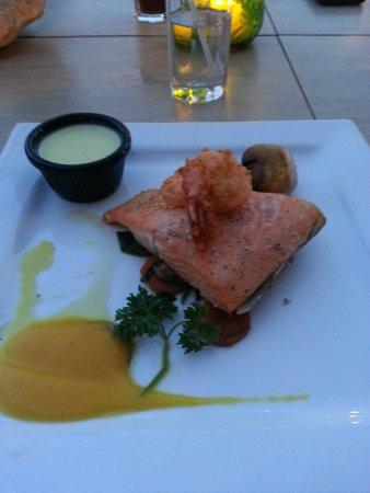 Zoya : Grilled Salmon