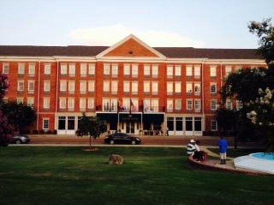 Natchez Grand Hotel: The Grand
