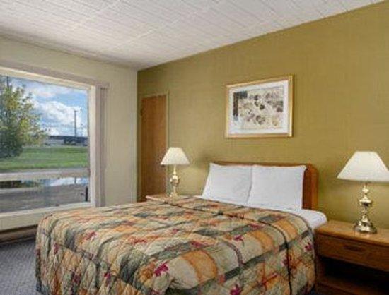 Save Inn: Queen Room