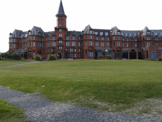 Slieve Donard Resort and Spa: front