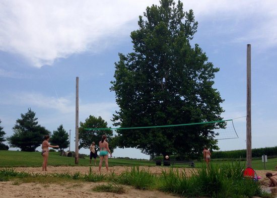 Ashland, IL: Beach Volleyball