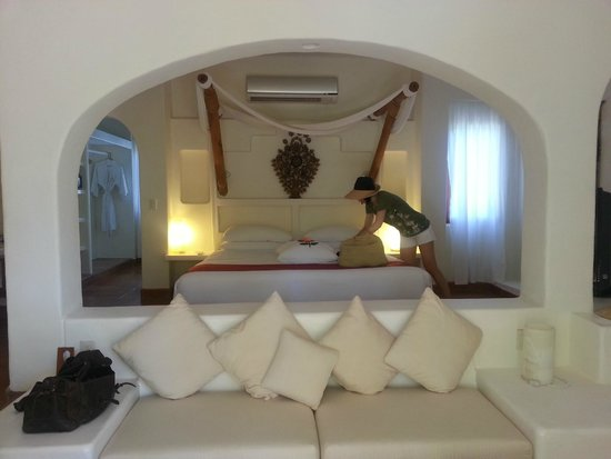 "Viceroy Zihuatanejo: The Definition of ""An Awesome Room"""