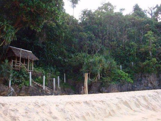 Yapak Beach (Puka Shell Beach): Живописные окресности